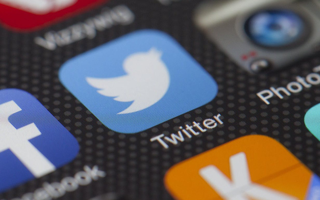 Is There Life on Twitter? A Look From a Belgian Healthcare Perspective